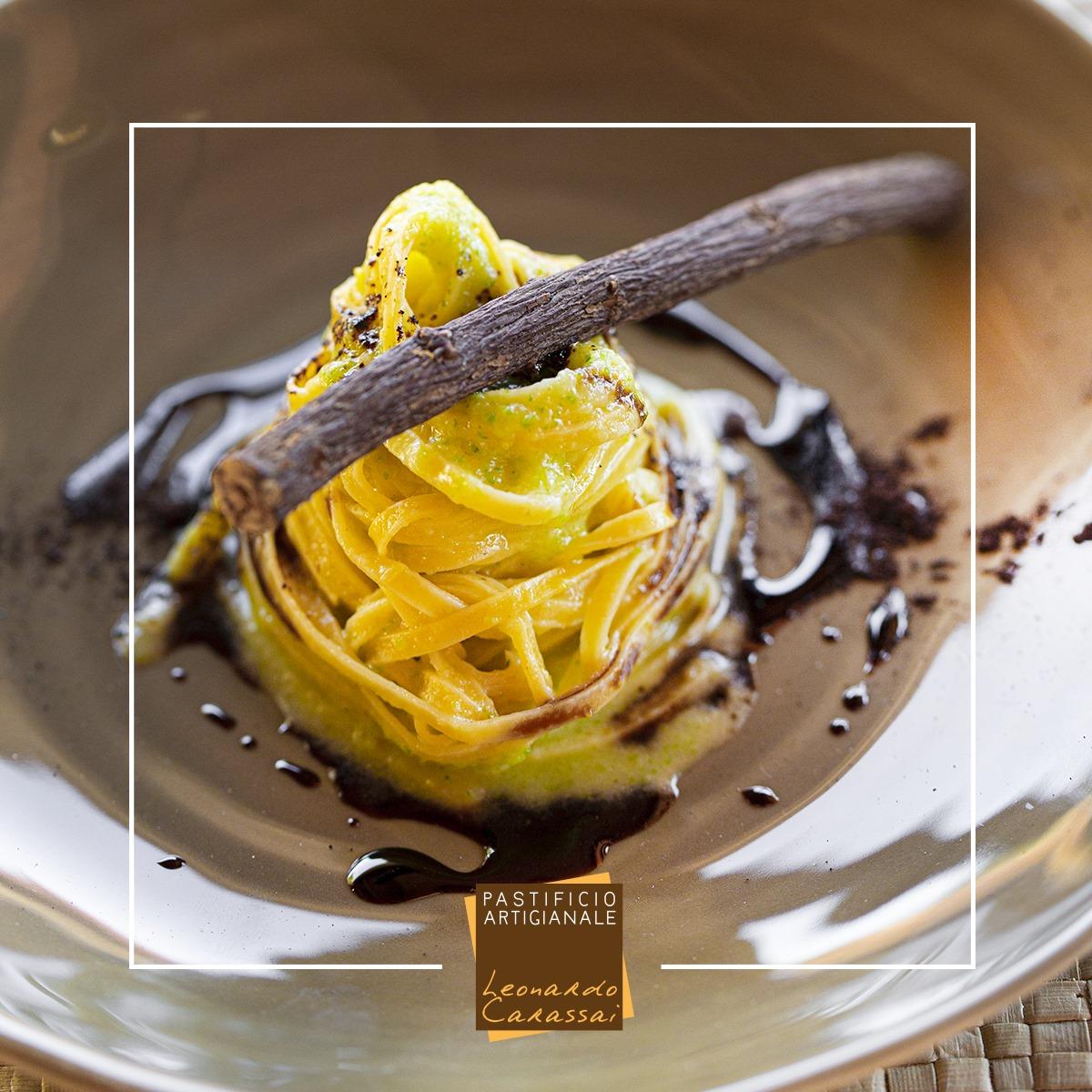 La ricetta con Linguine di Campofilone zucchine e liquirizia