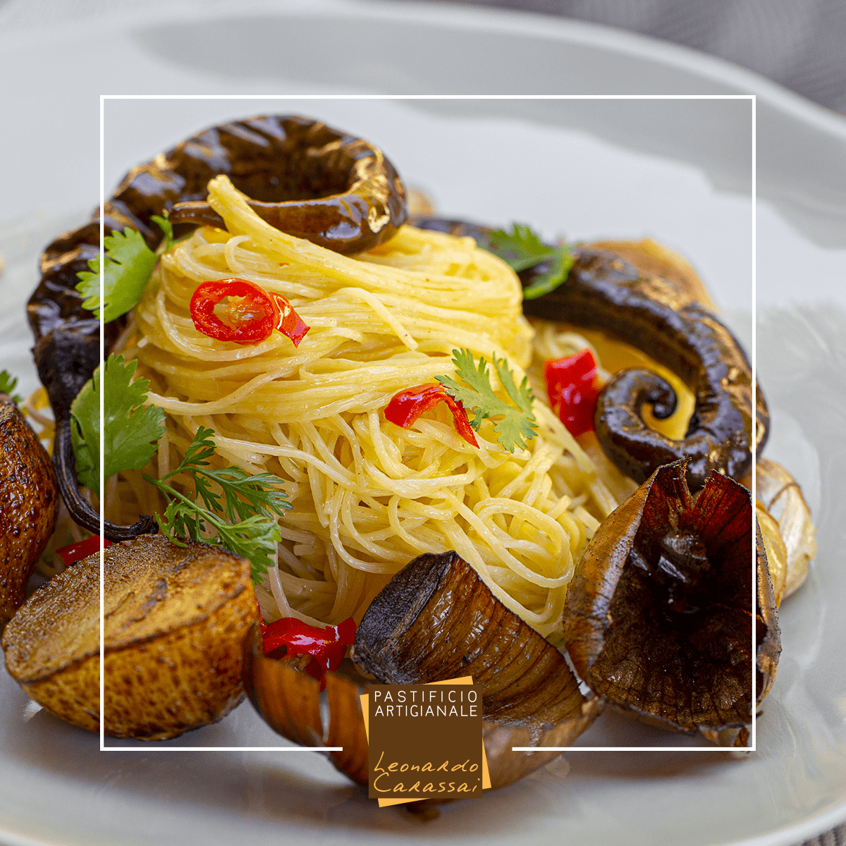 La ricetta con Maccheroncin di Campofilone aglio, olio e colatura di alici